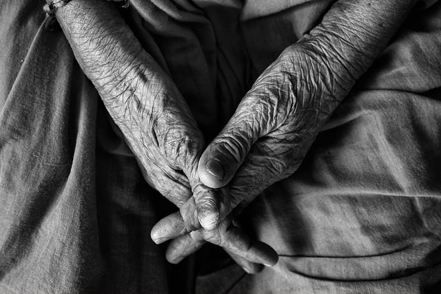 Elder care India - Caring for elderly parents: An emotional and financial crisis